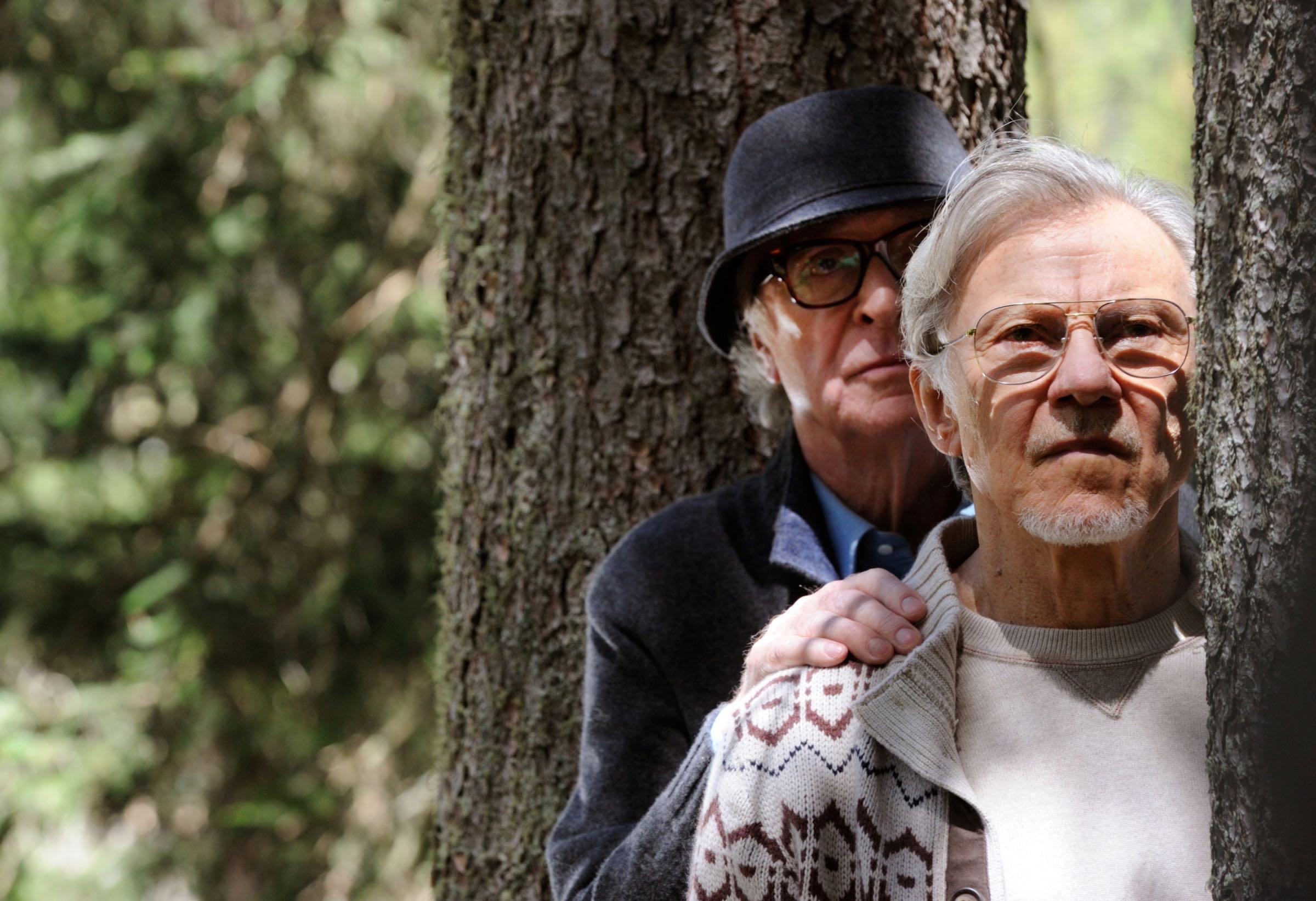 MICHAEL CAINE E  HARVEY KEITEL SUL SET DI LA GIOVINEZZA, FOTO DI GIANNI FIORITO